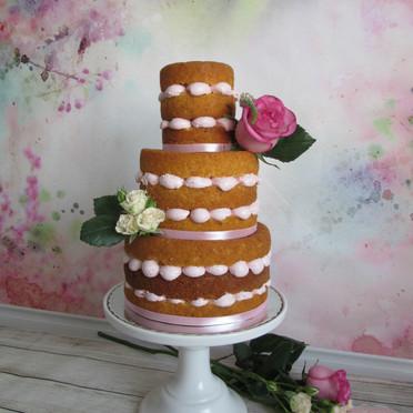 Buttercream naked cake