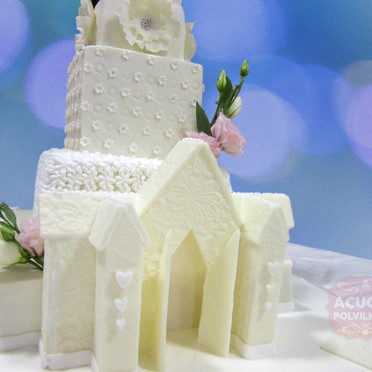 Bolo Igreja de pasta de açúcar
