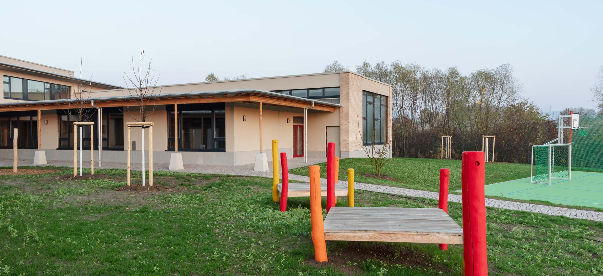 Hans Thoma Schule Oberursel außen