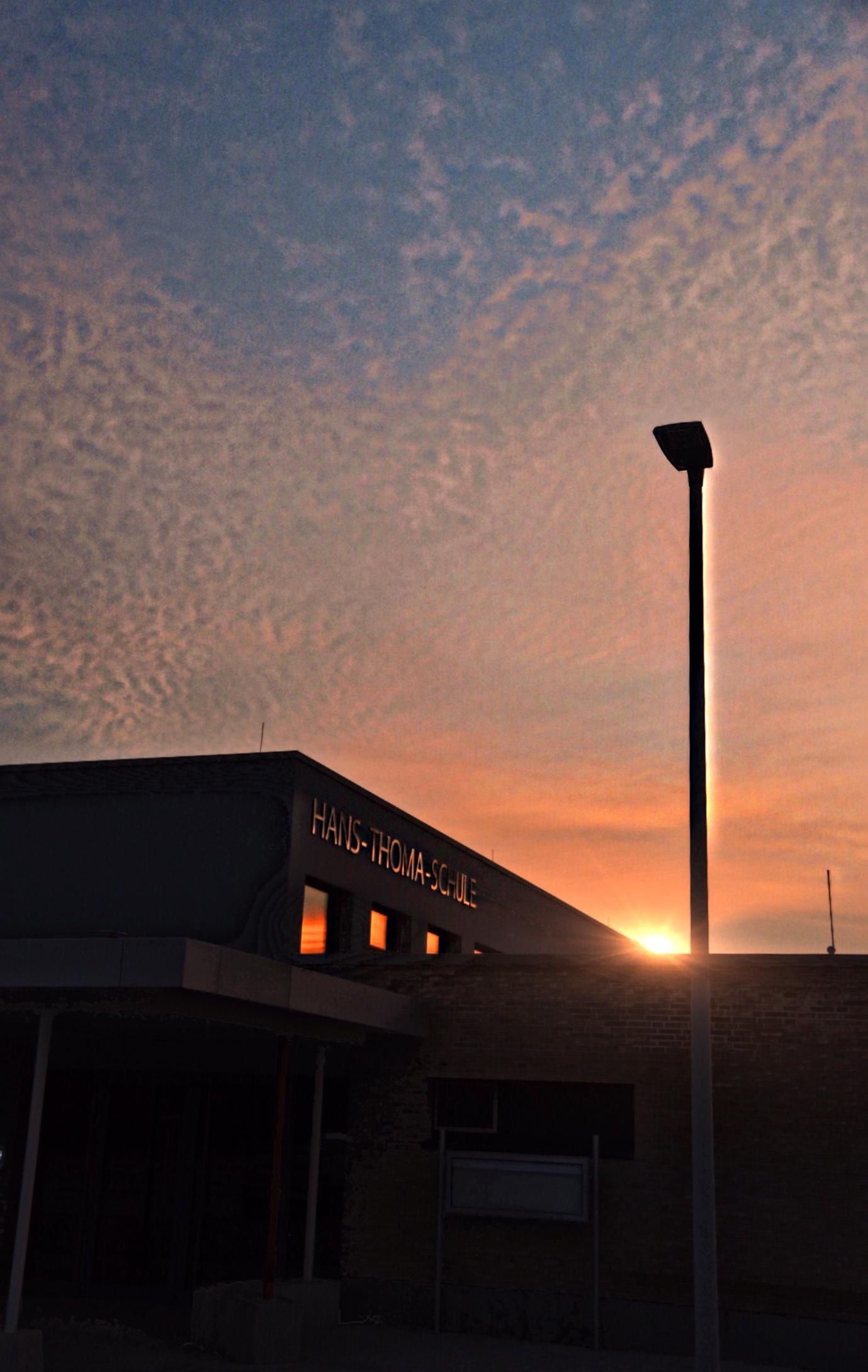 der erste Sonnenaufgang im Neubau