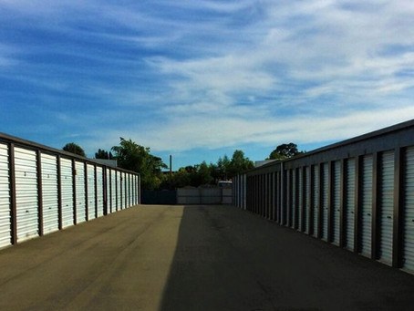How To Pick The Right Storage Garage Size For Your Needs?