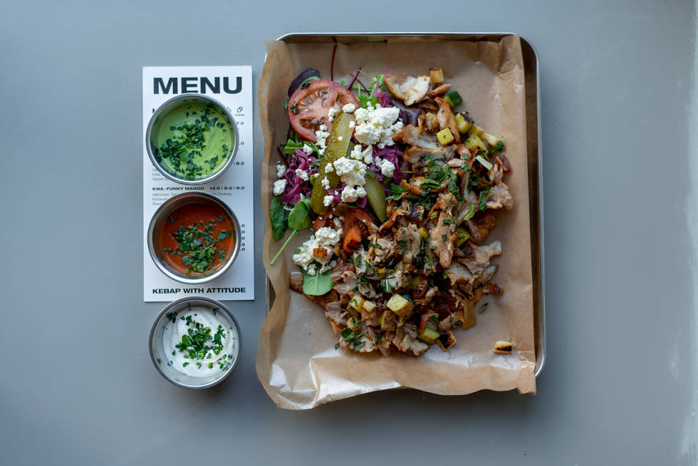 Chicken Gemüse Kebab on a tray