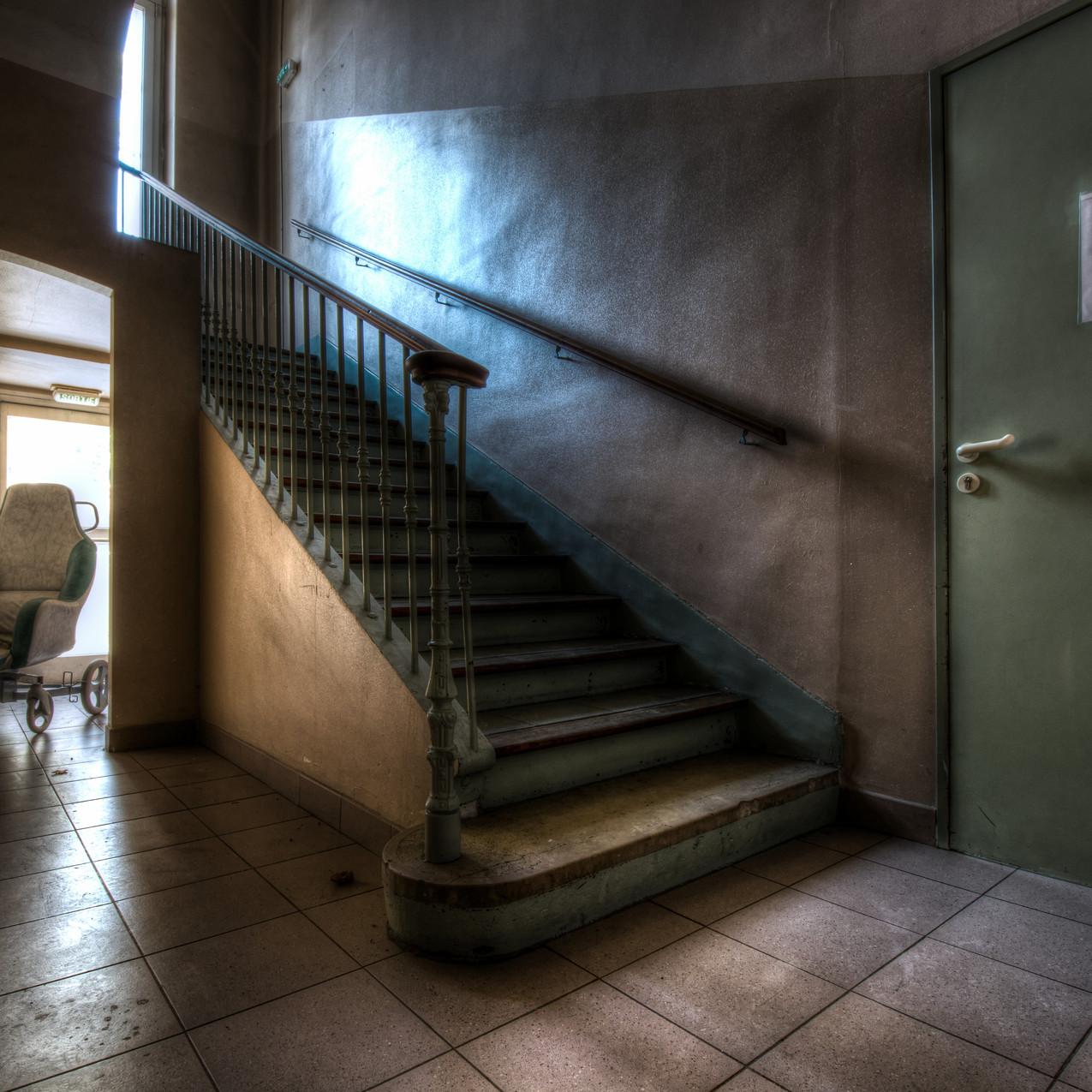 Urbex - Maison de retraite pour peluches (Longue attente, et dépression)
