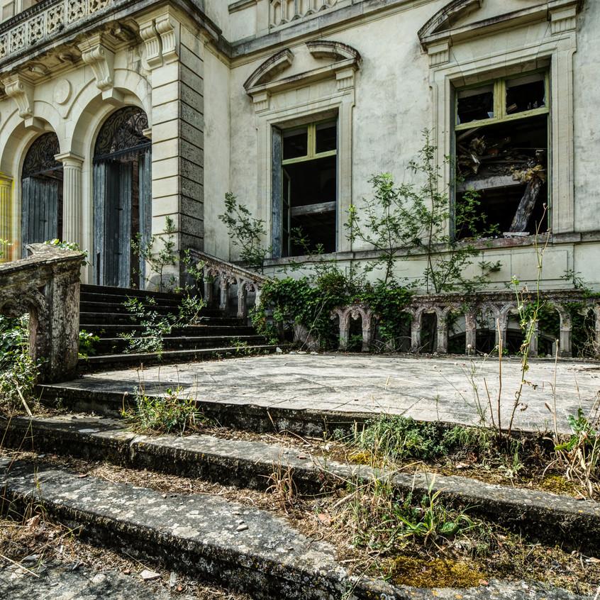 Urbex - Château du cerf (Tristesse et ravage sont mon quotidien)