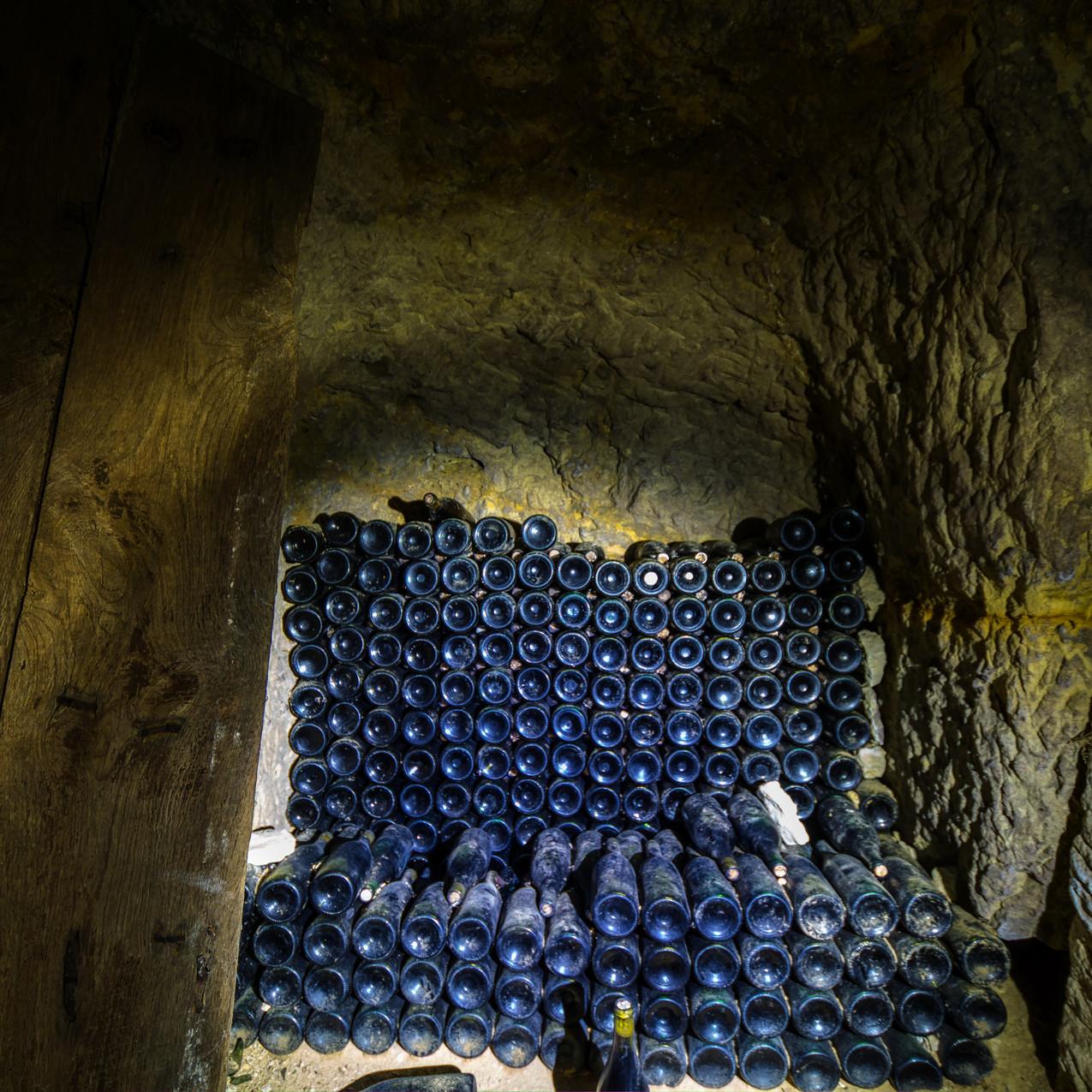 Urbex - La cave de l'ange (On se fait un mikado _)