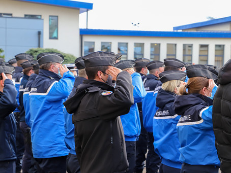 Hommage aux 3 militaires décédés en service le 22 décembre dernier.