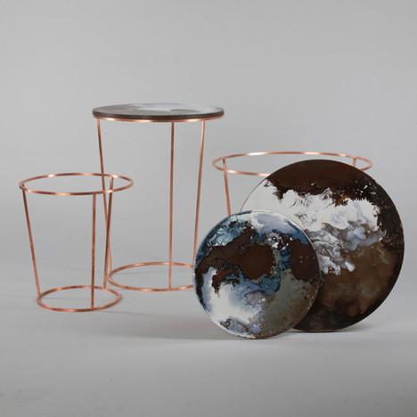 Керамические столики, напоминающие вид на Землю из космоса