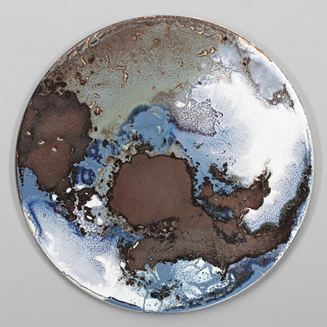 Ceramic-tables-by-Elisa-Strozyk_dezeen_10.jpg