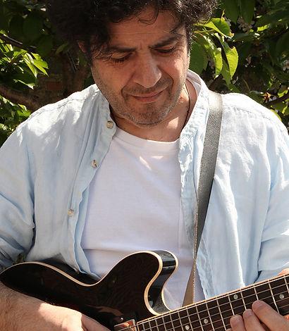 Bio-Roberto-Di-Ferdinando-800.jpg