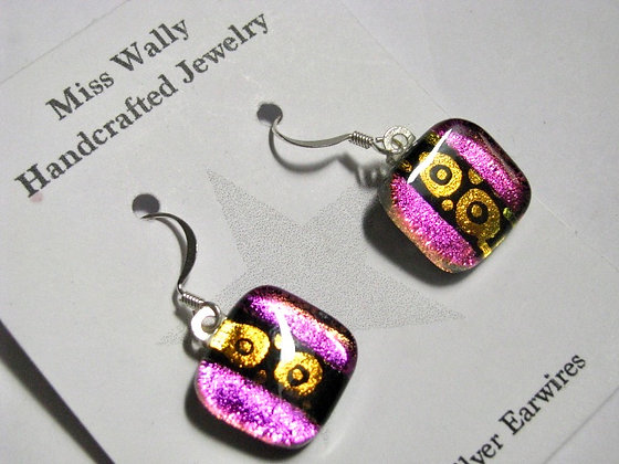 Pink and gold circle earrings