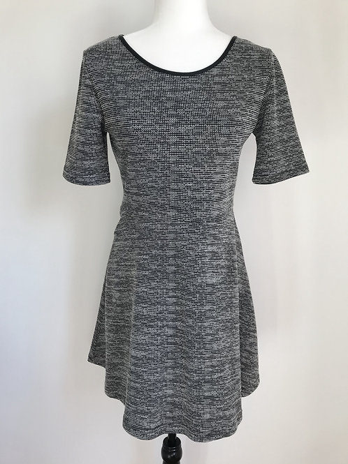 Vestido padrão preto