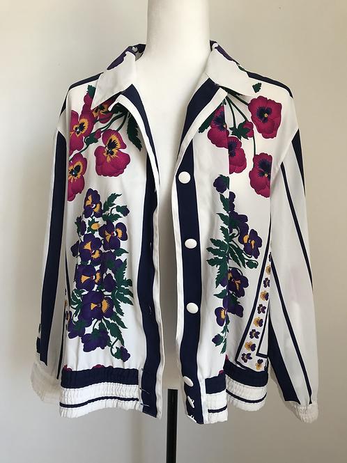Jaqueta branca vintage com padrão floral