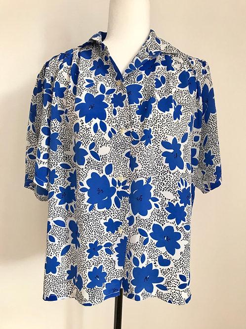 Camisa vintage padrão floral azul e branco