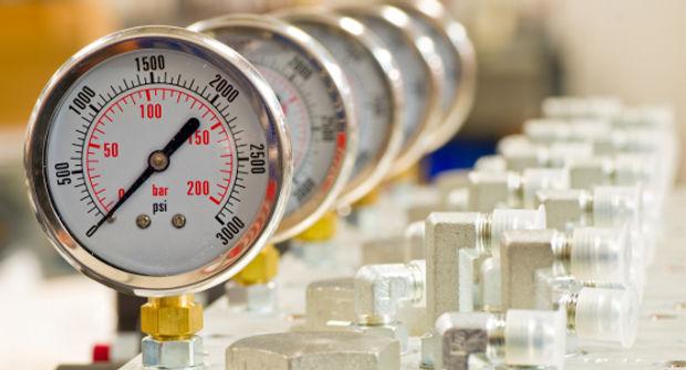 Pressure Calibration in UAE