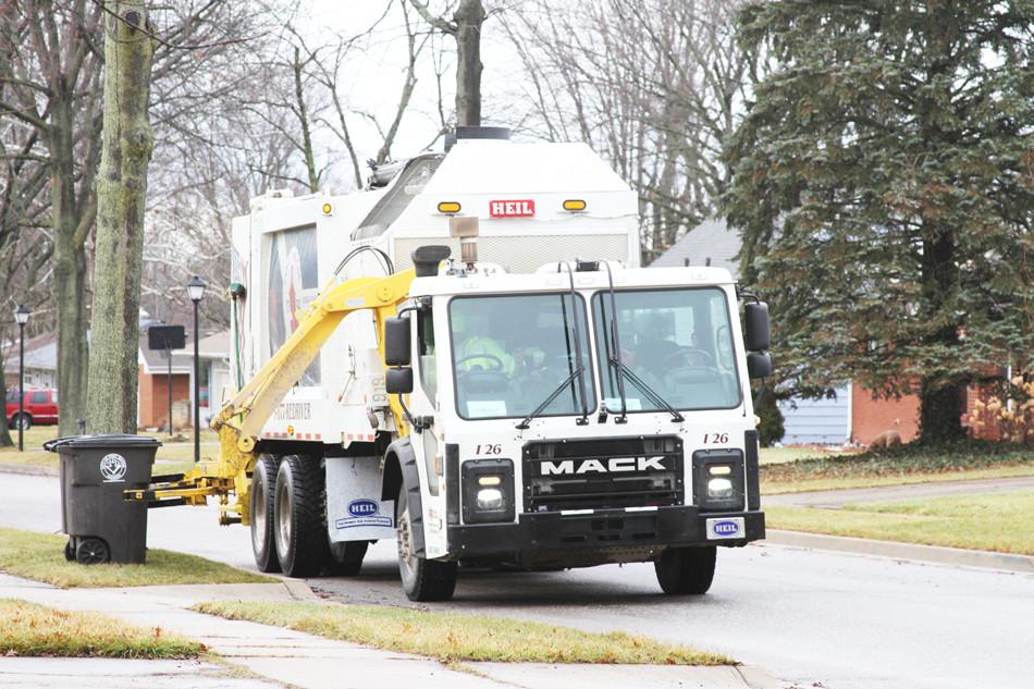 heil-multipack-side-load-trash-truck-bod