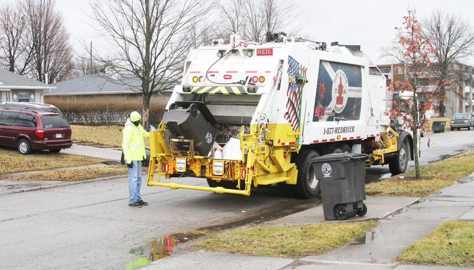 sideloader-garbage-truck-bodies-multipac
