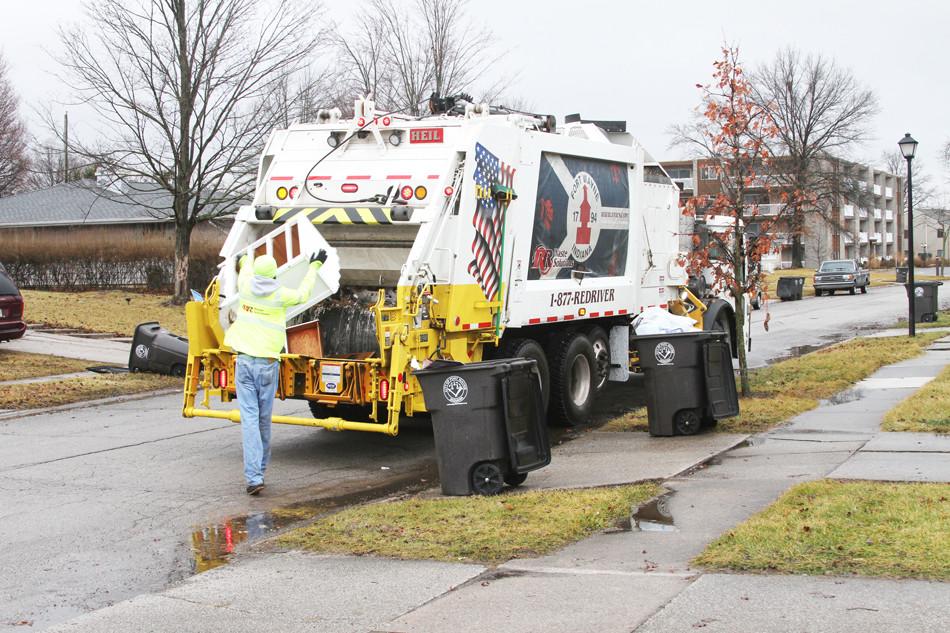 sideload-garbage-truck-bodies-heil.jpg