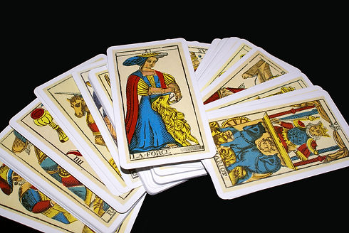 tarot-cards-1306871-1599x1070.jpg