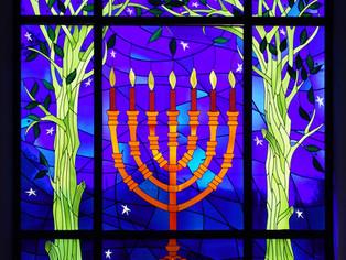 ¿Se puede plantar un árbol junto a una sinagoga?