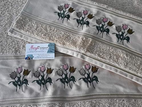 Toalha de Banho  e Rosto Bordada Flores