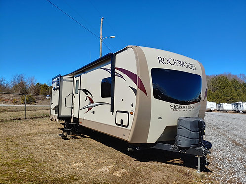 2017 Rockwood Signature Ultra Lite Series 8327SS