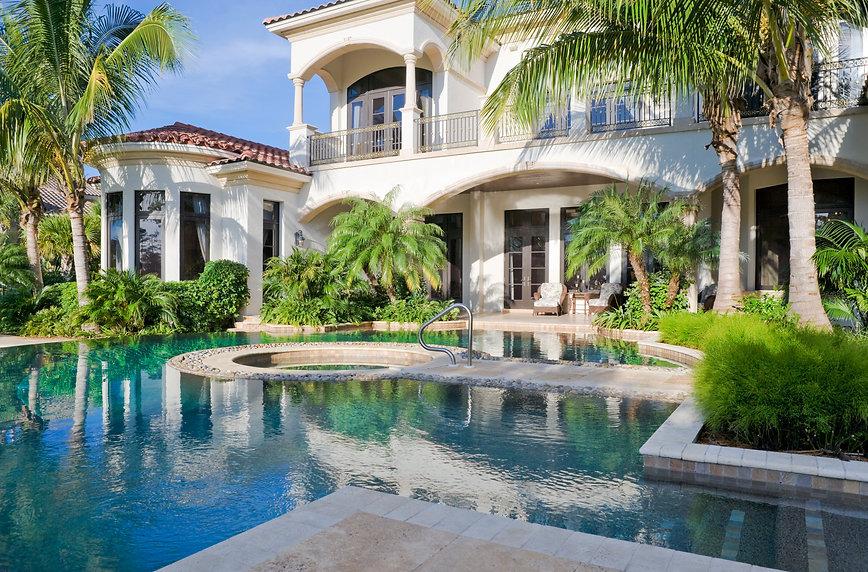 swimming-pool-157328666_4824x3178.jpeg