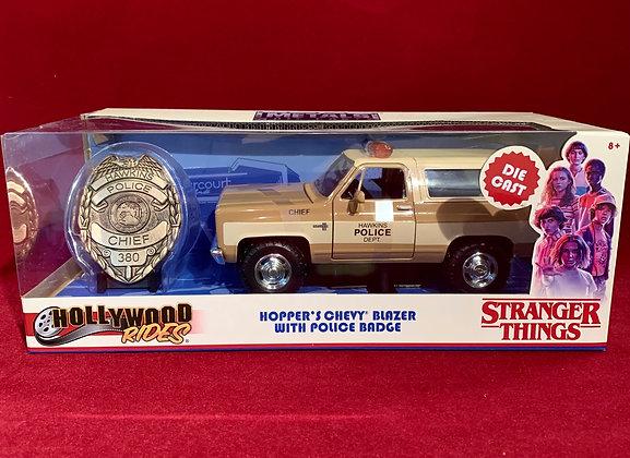 Camioneta Hoppers Chevy blazer Stranger Things 1;24
