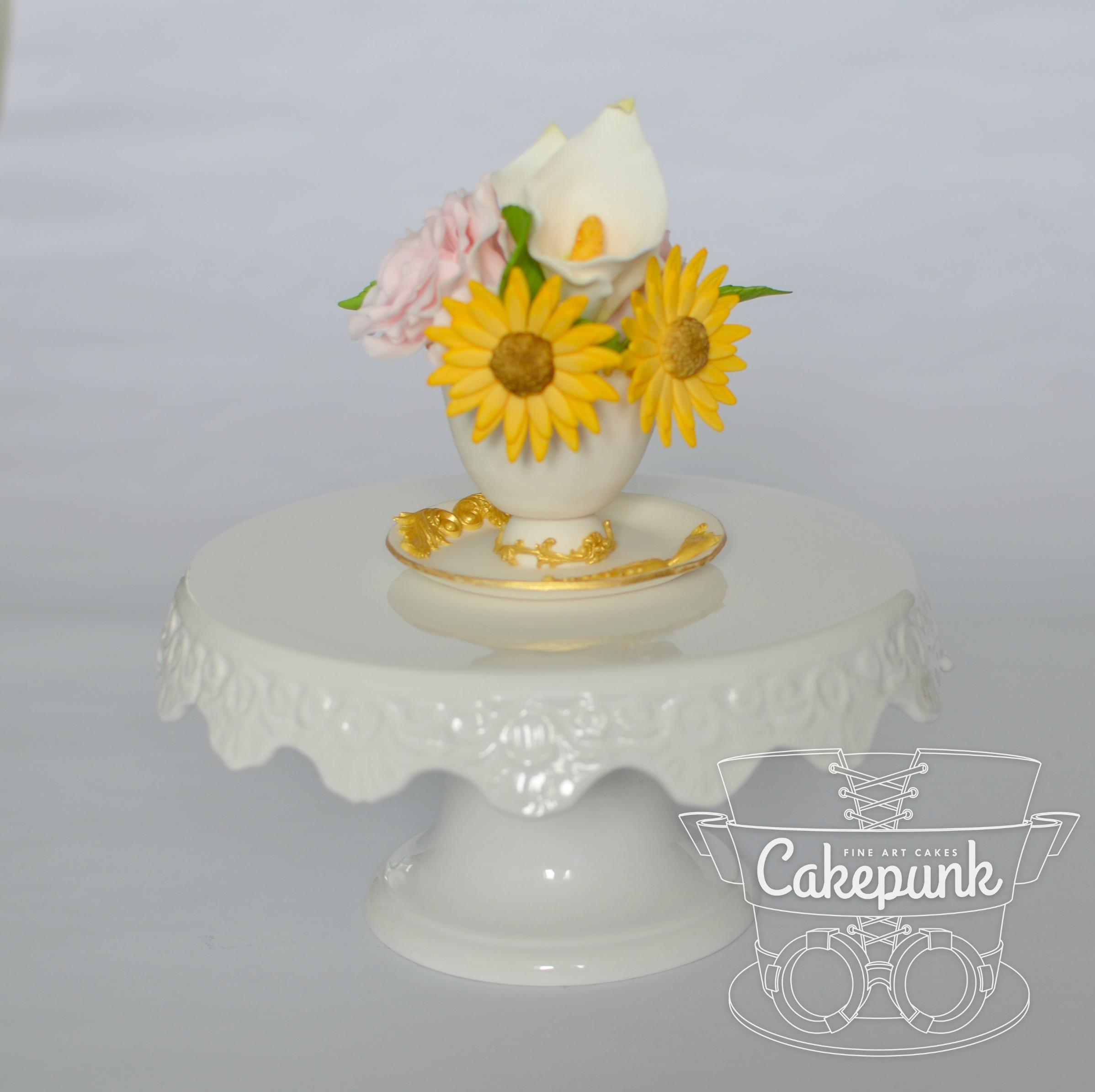 Sugar Paste Teacup & Flower