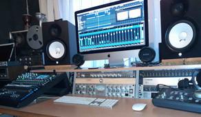 2021 kommt viel Musik aus dem Deine Mutter Studio