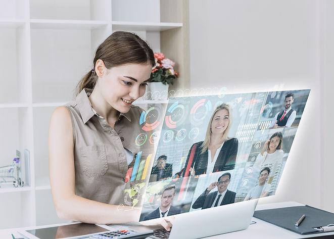 future-businesspeople-meeting-screen-smi