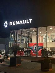 Renault%20I%20Opening%20garage%20Saba_ed