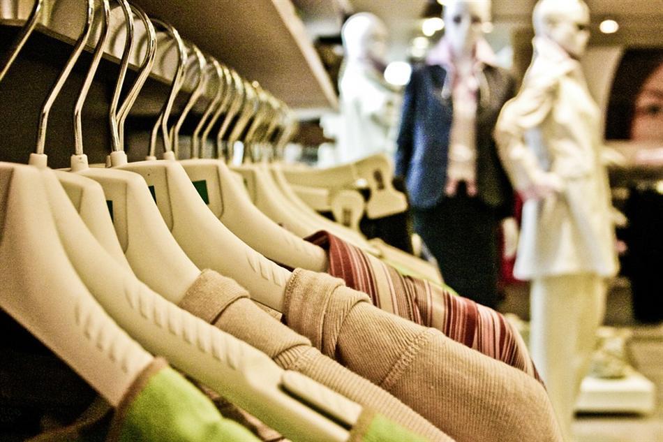 Lojas de departamento lideram vendas entre os canais de varejo de vestuário