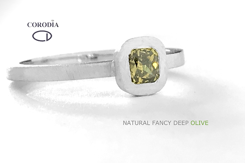 Fancy Deep Olive 0,34ct Cushion Brilliant Shape