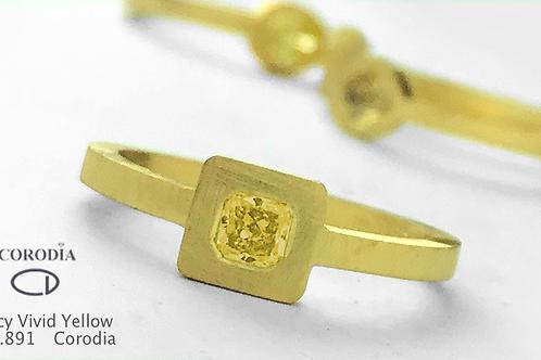 Fancy Vivid Yellow  Diamond0,18 ct