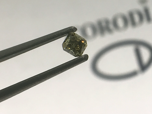 Fancy Olive Green 0,11 ct diamond