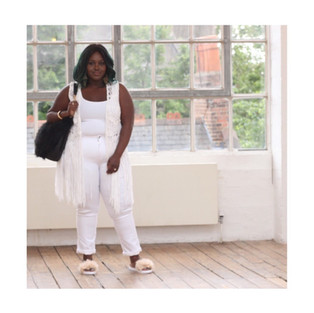 Neutral tones and beautiful whites bought to you by the gorgeous Chanel Ambrose.  @ChanelAmbrose