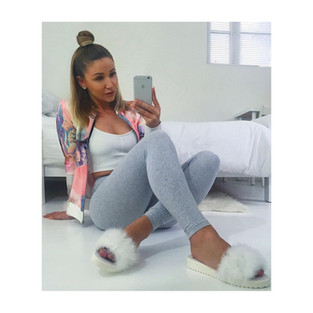 Casually lounging in her Blanc furrys, love this look TJ @_tlotl_