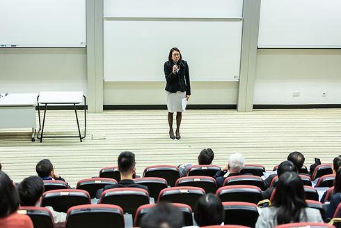 chairs-class-classroom-1708912.jpg