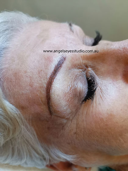 Eyebrow Makeup Tattoo
