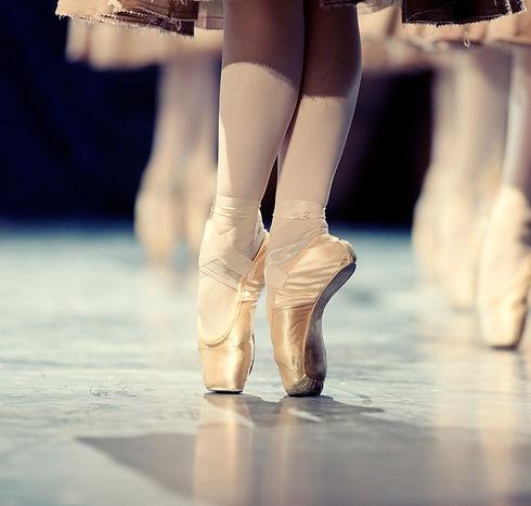 Ballet%20Dancers_edited.jpg