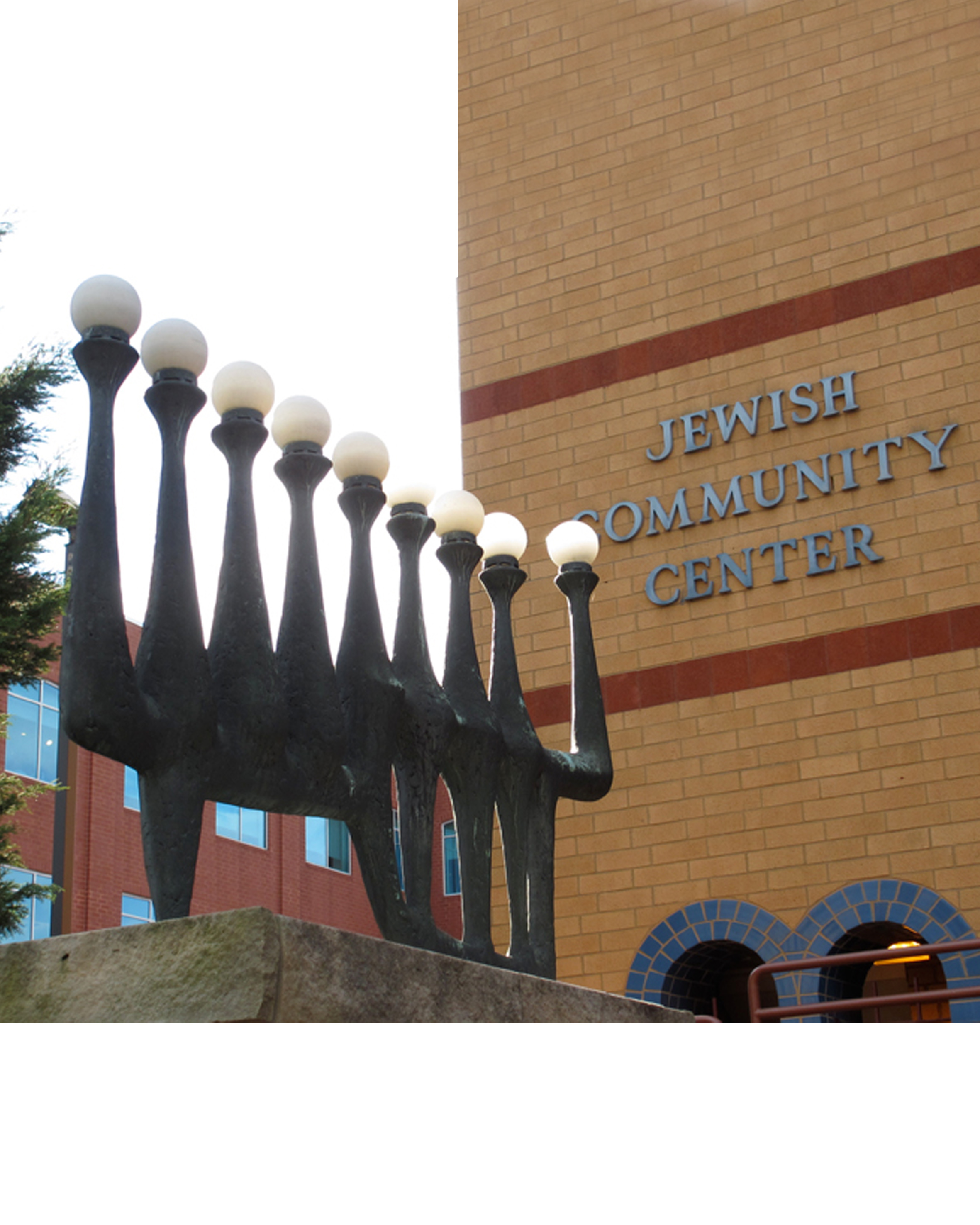 The Menorah - Pitsburgh jewish center Pennsylvania bronze 200cm
