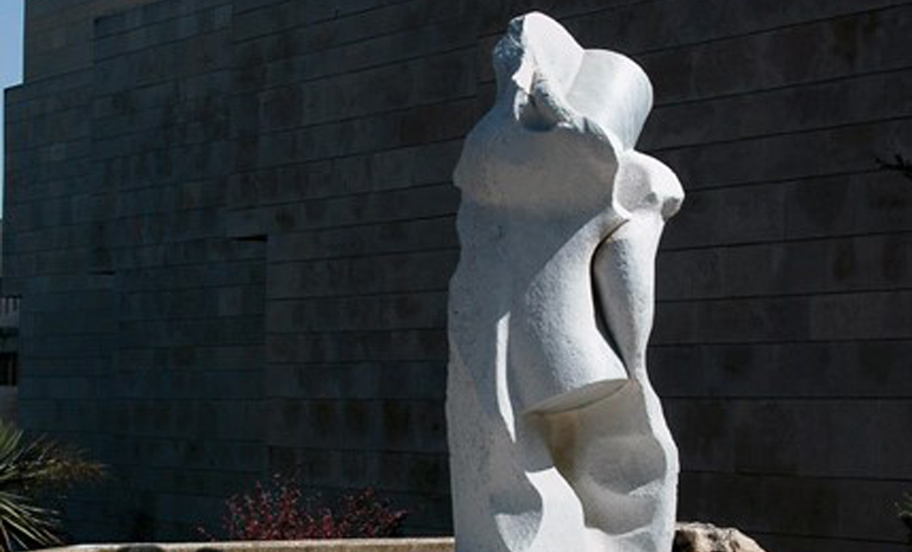 Primavera, 300 cm, White Carrara Marble.