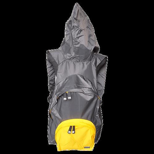 Mochila com capuz - cinza escuro - capuz interno e bolso externo amarelo