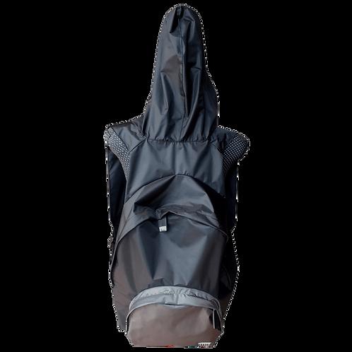 Mochila com capuz - preta - capuz interno e bolso externo cinza escuro