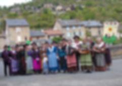 Le Réveil Auvergnat : Musiciens et Danseurs dans les rue du Rozier en Lozère