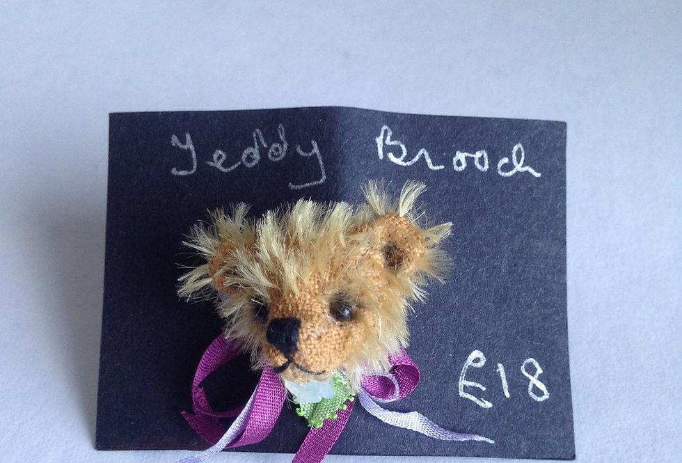 Teddy Brooch (Petite Rose Ribbons)