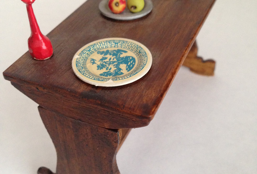 Pre-owned Tudor style table (Laid)