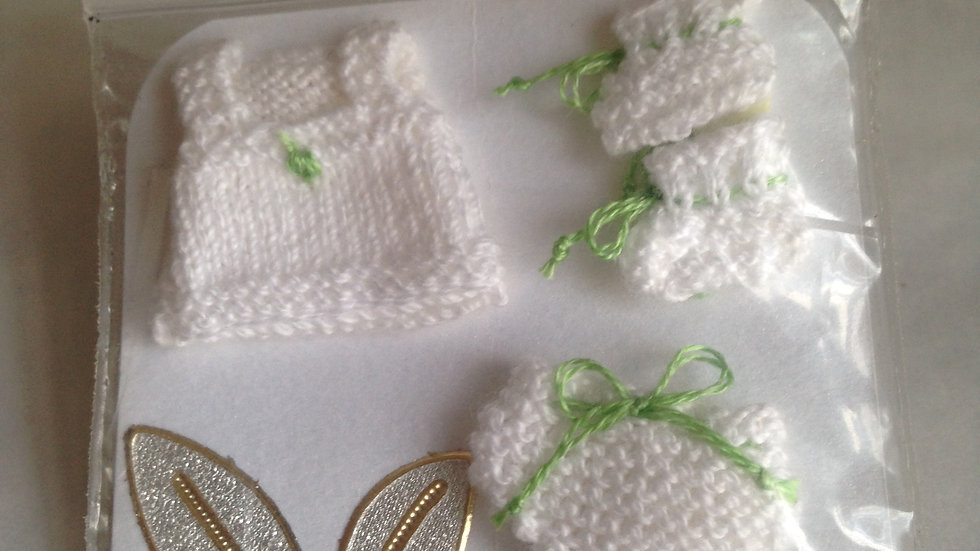 Handknitted baby clothes