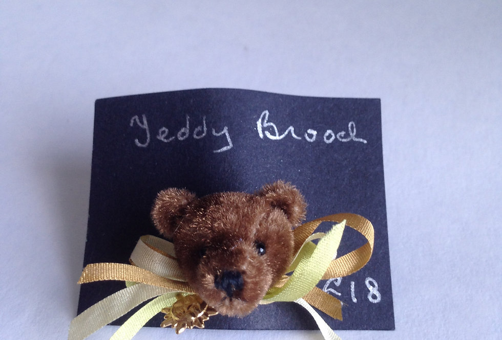 Teddy Brooch (Lemon Ribbons)