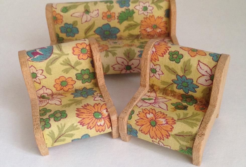 3 Piece Suite (Peach Floral / Wooden Frame)
